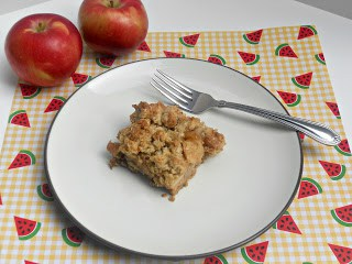 Delicious Caramel Apple Crumble Bars are the perfect fall dessert.