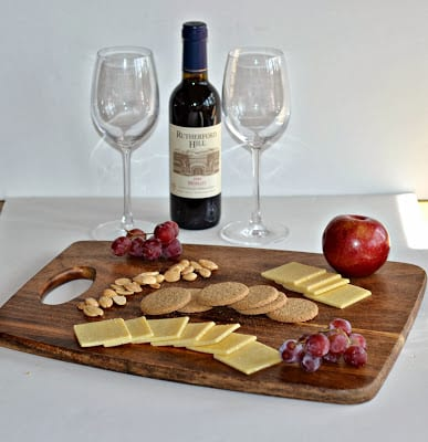 Kerrygold Dubliner Cracker Cut Cheese and Wine Happy Hour!