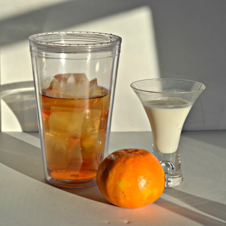 Red's Orange White Russian from Hezzi-D's Books and Cooks