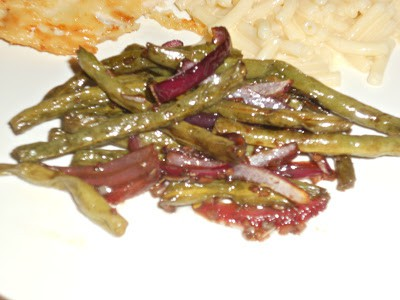 Roasted Green Beans and Red Onions