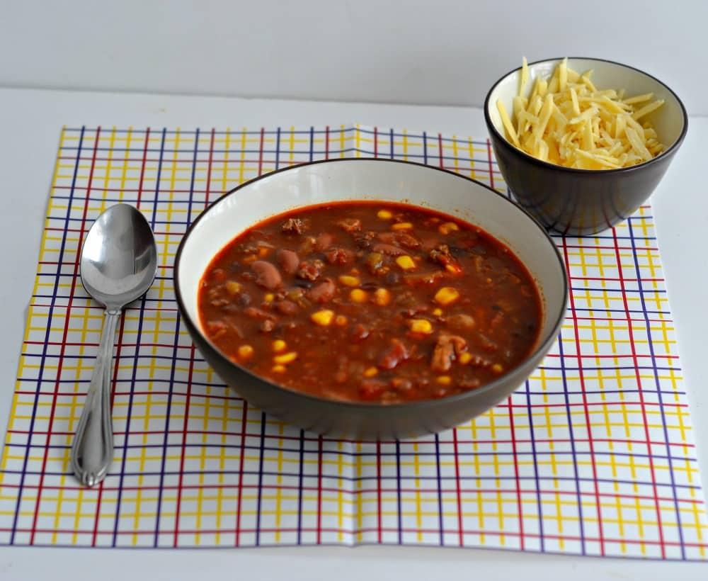 Chili con Tres Chili-www.hezzi-dsbooksandcooks.com