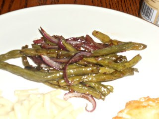 Roasted Green Beans with Red Onions