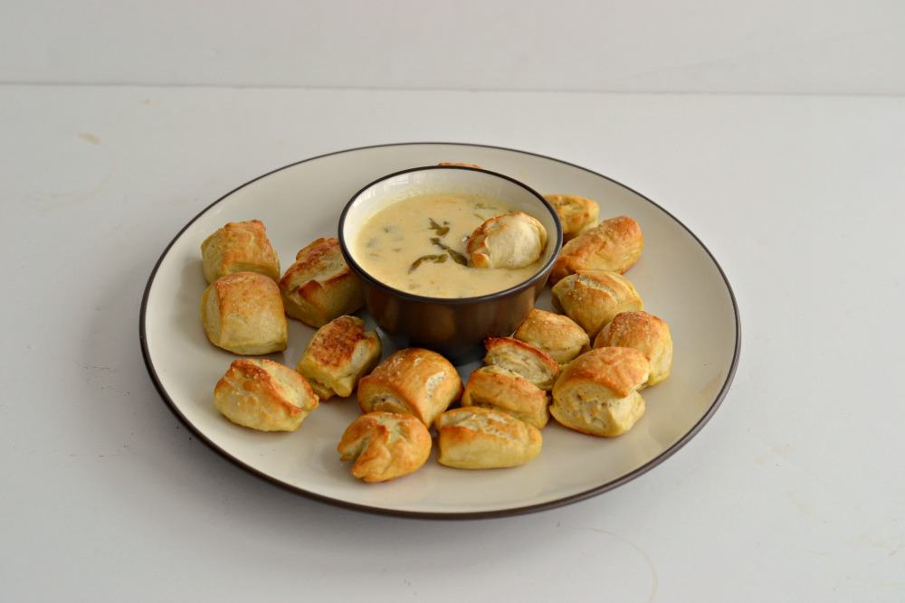 Jalapeno Cheddar Beer Dip - Hezzi-D's Books and Cooks