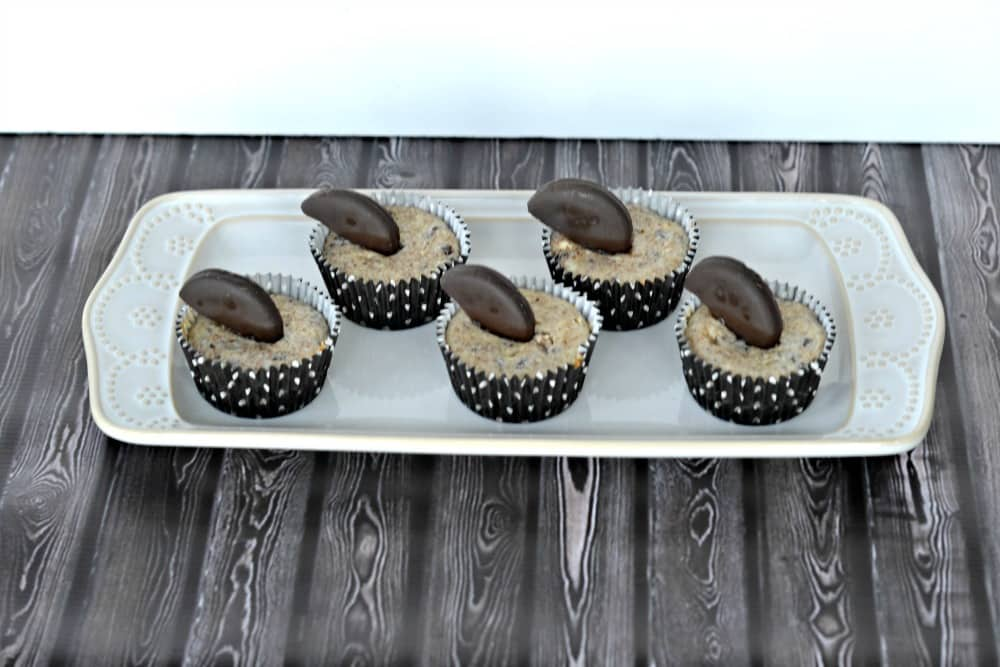 Thin Mint Mini Cheesecakes from hezzi-dsbooksandcooks.com