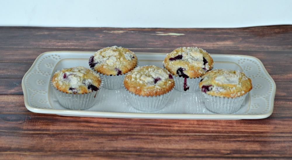 Delicious blueberry streusel muffins from Hezzi-D's Books and Cooks