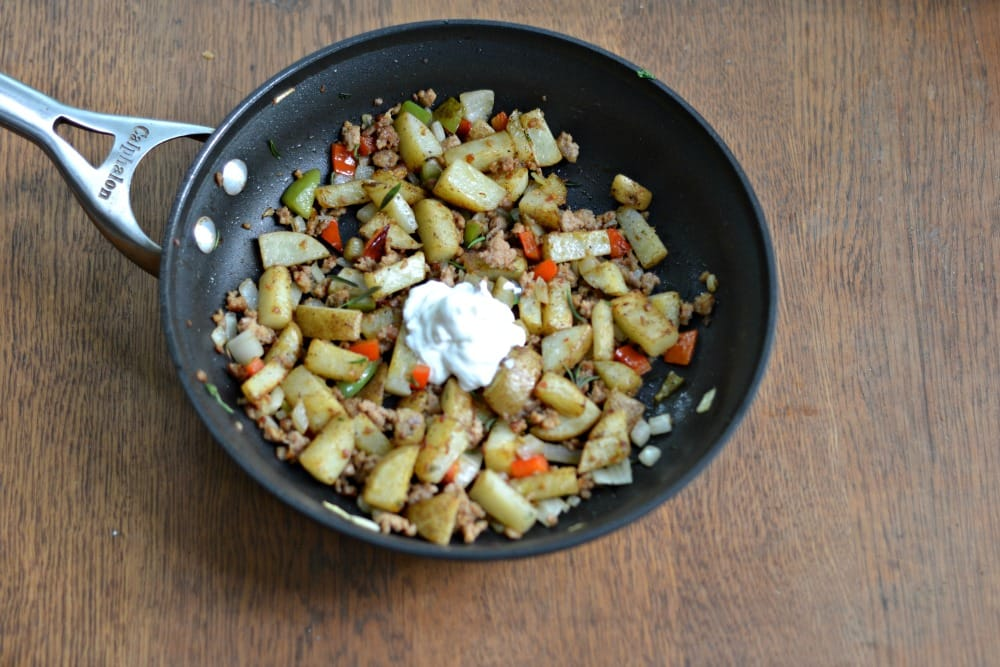 Spicy Skillet Breakfast Potatoes | Hezzi-D's Books and Cooks