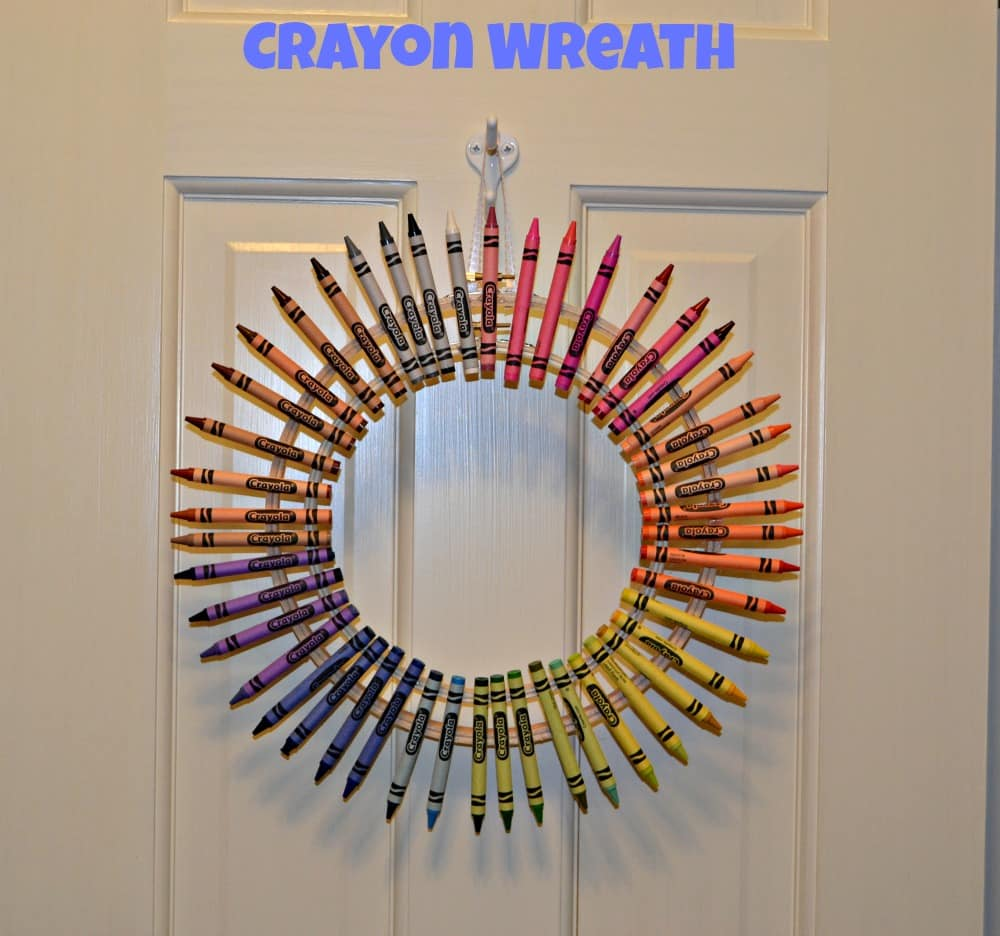 Crayon Wreath is a fun and easy Christmas present!