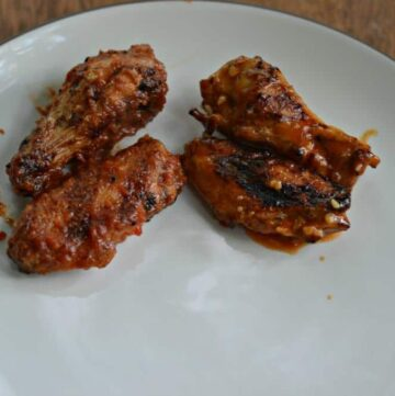 Grilled Chicken Wings in hot sauce or BBQ sauce