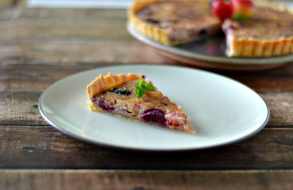 A lightly sweetened Cherry Tart