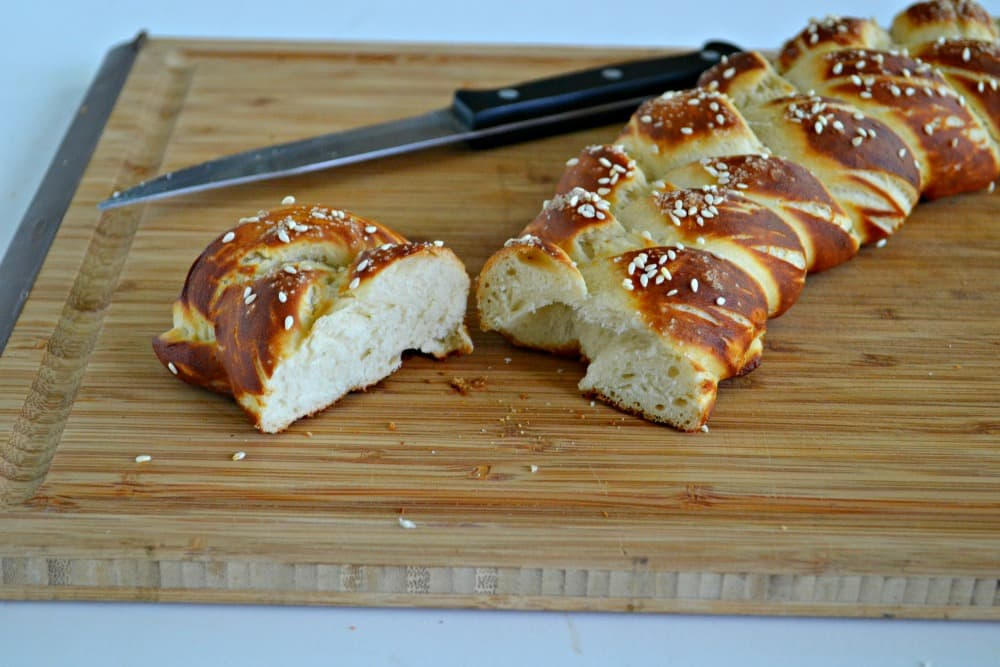 Vegan Hot Pretzzel Challah Bread