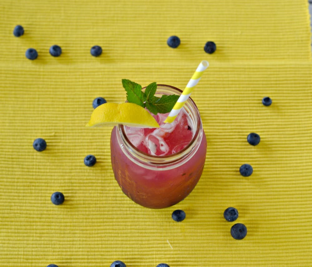 Delicious and refreshing Lemon Blueberry Mint Iced Tea