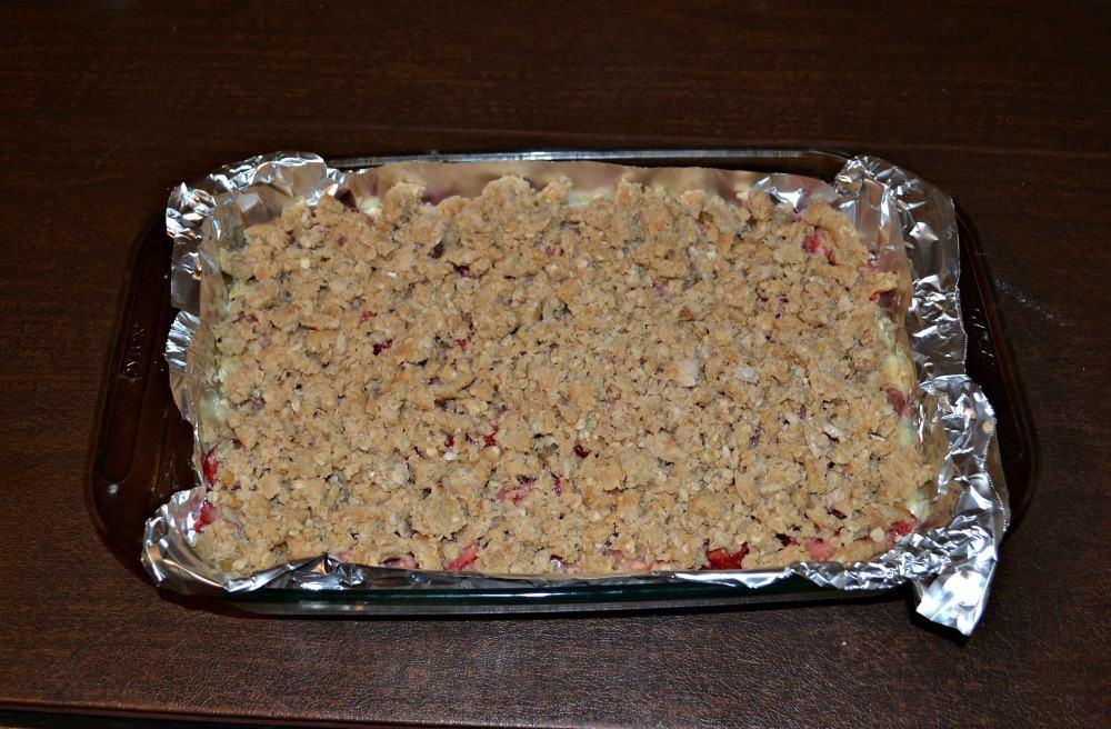Strawberry Rhubarb Crumble Bars!