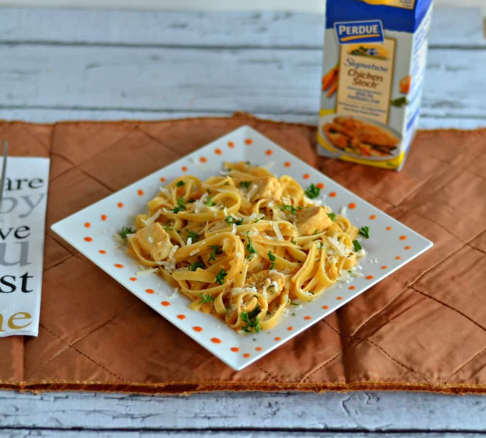 Buffalo Chicken Alfredo: Hezzi-D's Books and Cooks