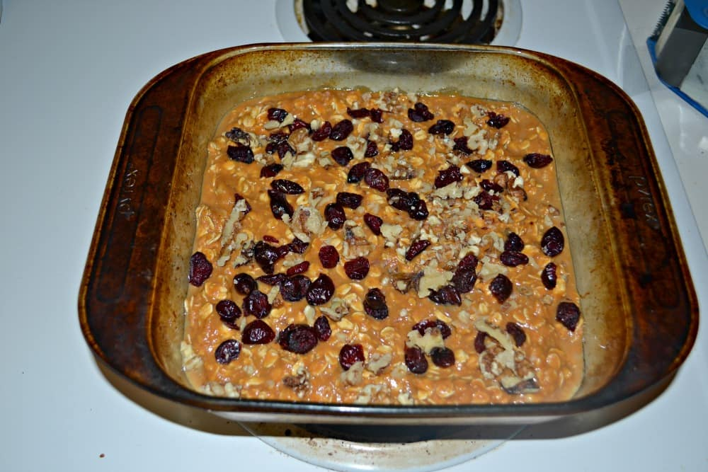 Pumpkin Oatmeal with Cranberries and walnuts