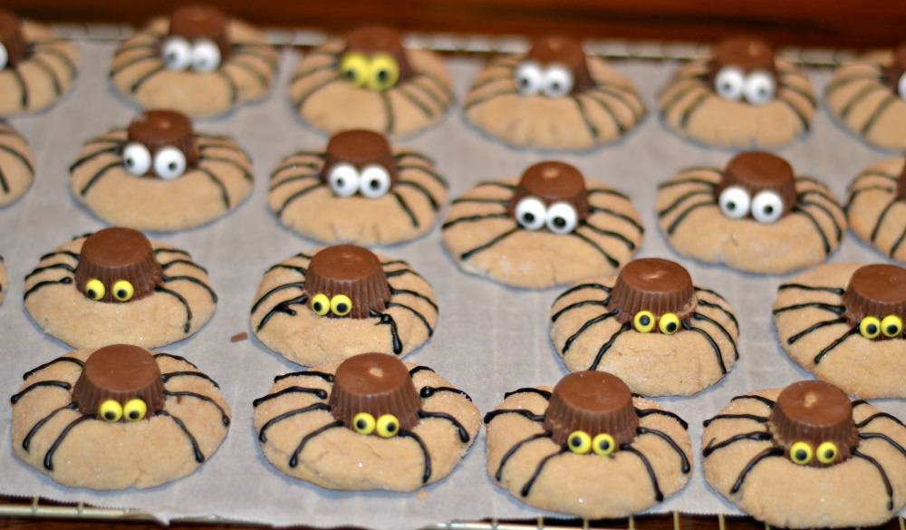 FUn Spider Cookies are perfect for Halloween!