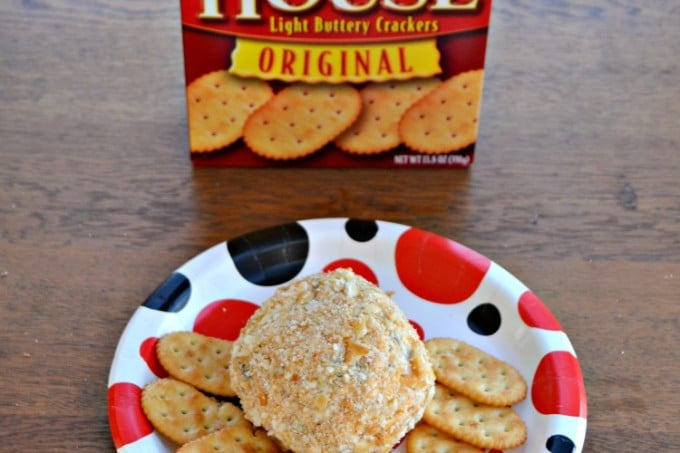 Jalapeno Bacon Cheddar Cheese Ball made with Town House Crackers!