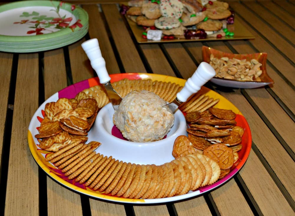 Jalapeno Bacon Cheddar Cheese Ball:   Hezzi-D's Books and Cooks