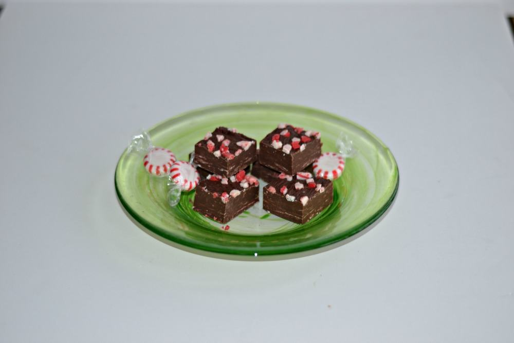 Peppermint Fudge is great for gift giving!  | Hezzi-D's Books and Cooks
