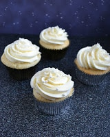 Delicious Champagne Cupcakes are perfect for parties!