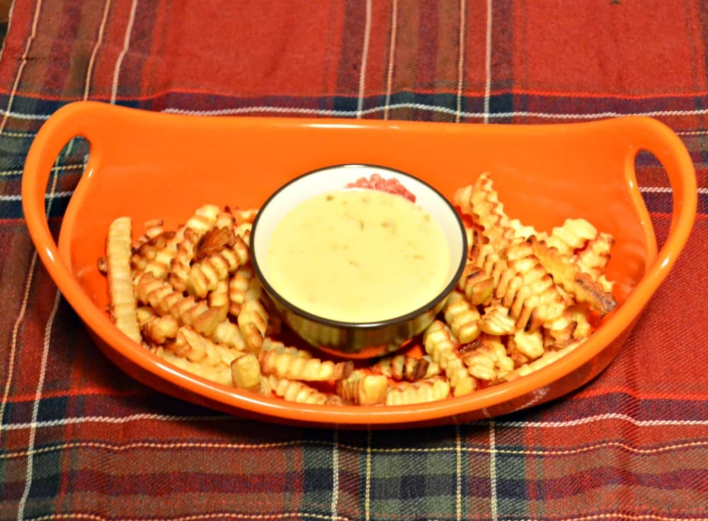 Alexia Classic Crinkle Cut Fries with Jalapeno Cheddar Dip