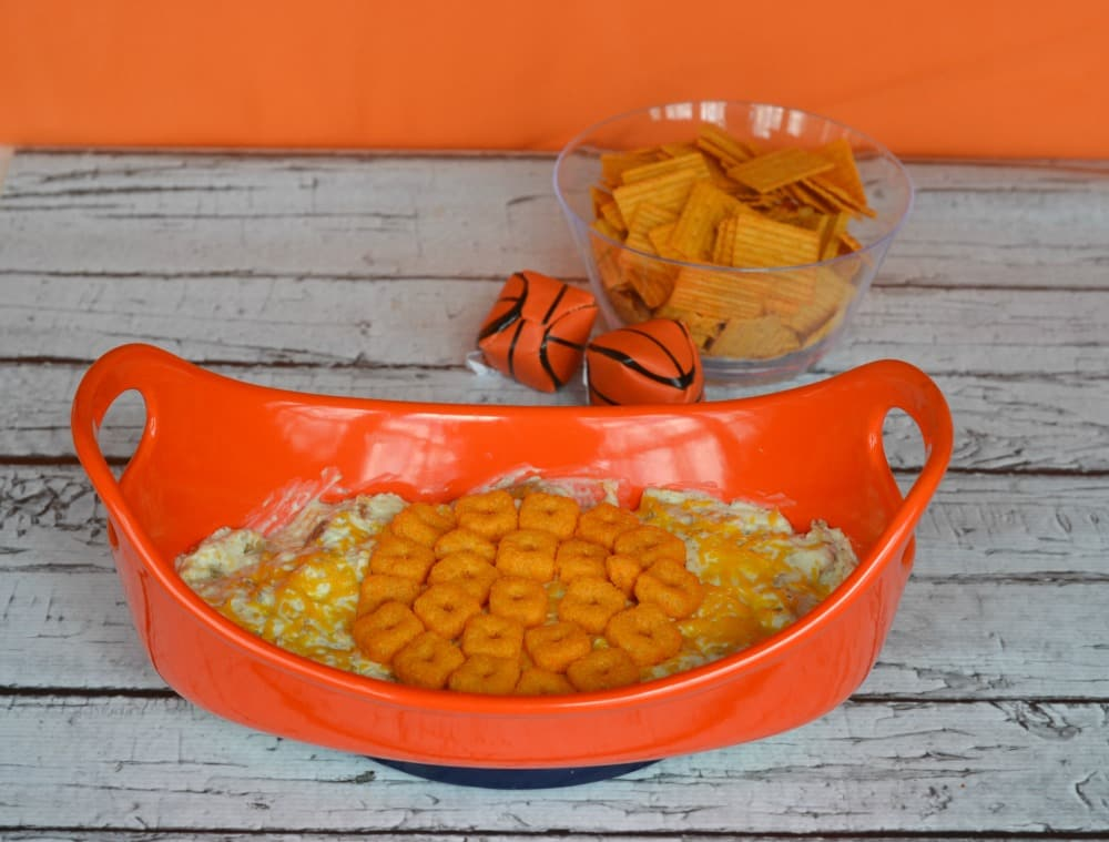 Cheesy Chicken Ranch Dip with Cheez-It Crunch'd is a delicious basketball snack