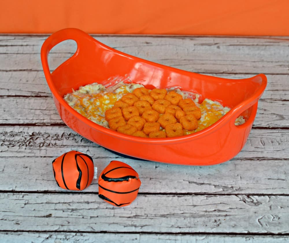 It's Match and that means basketball! Enjoy the games with this awesome Cheesy Chicken Ranch Dip