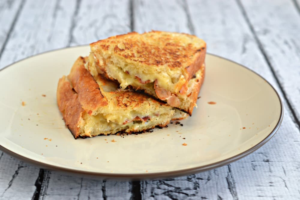 Jalapeno Popper Grilled Cheese Sandwiches are the perfect way to jazz up a traditional grilled cheese.