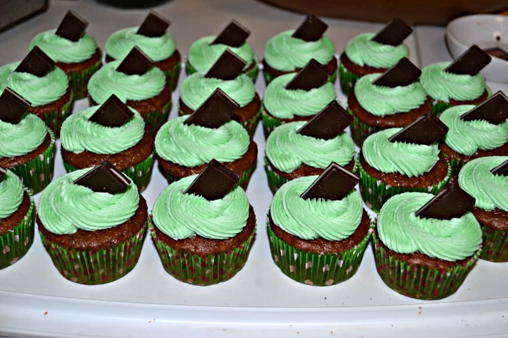 Mint Chocolate Cupcakes - Hezzi-D's Books and Cooks