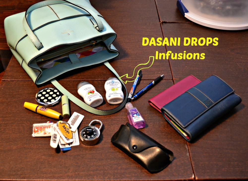 What's in my purse?   Easy to carry and refreshing DASANI DROPS Infusions