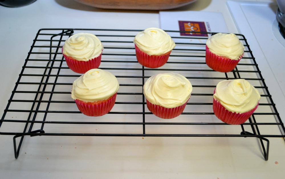strawberry lemonade cupcakes 2