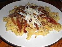 Fusilli with Caramelized Onions and White Wine: Meatless Mondays