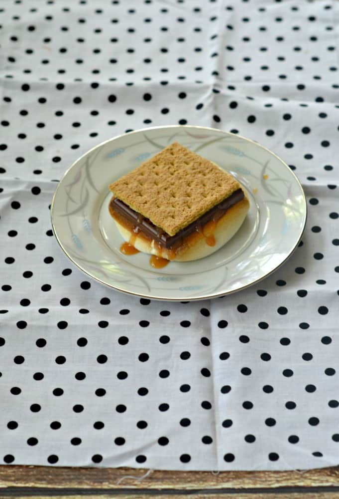 Salted Caramel S'mores with just 5 ingredients and can be made in under 10 minutes!