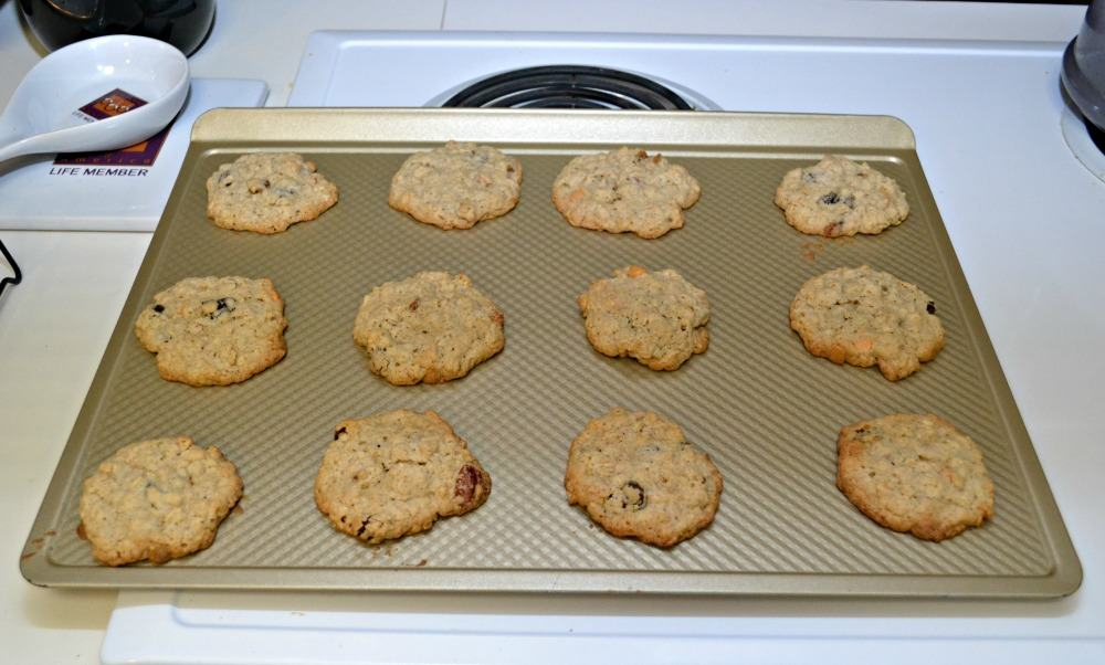 Delicious Oatmeal cookies with a twist!