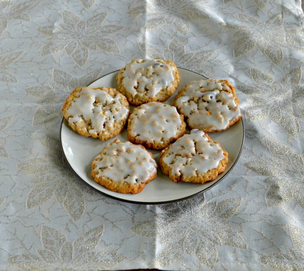 These Gourmet Oatmeal Raisin Cookies are iced and have a nice crunch from pecans.