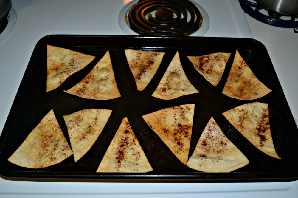 Make your own Cinnamon and Sugar Pita chips with just 3 ingredients!