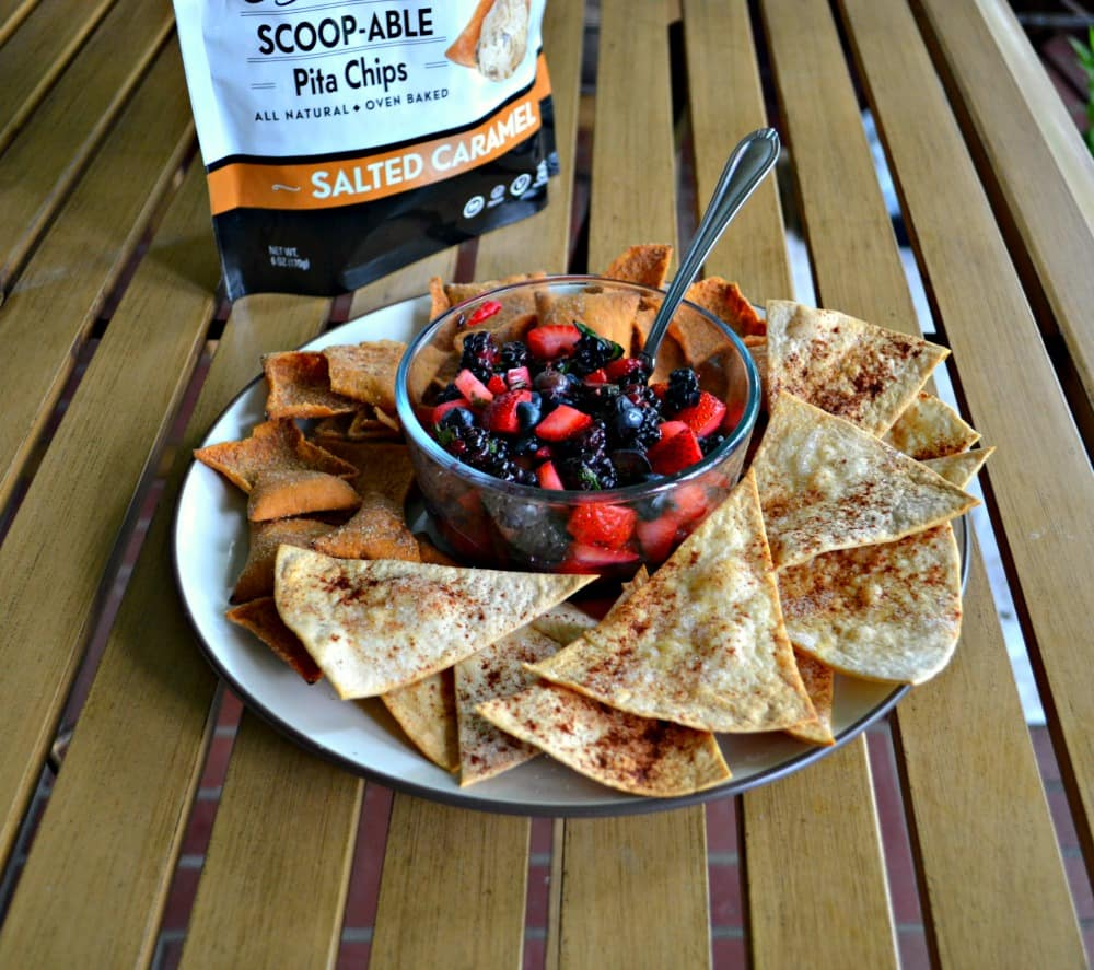 Mojito Berry Salsa with Toufayan Salted Caramel Pita Chips is a delicious summer recipe that's totally gluten free!
