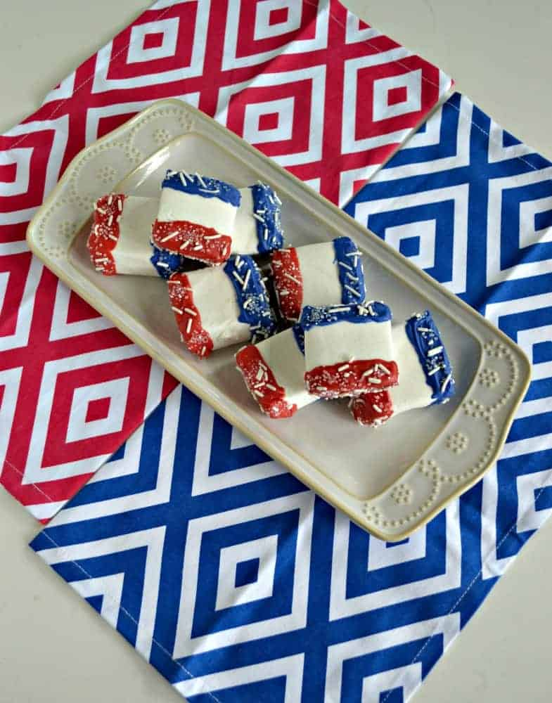 Delicious and easy to make Red, White, and Blue Chocolate Covered Marshmallows