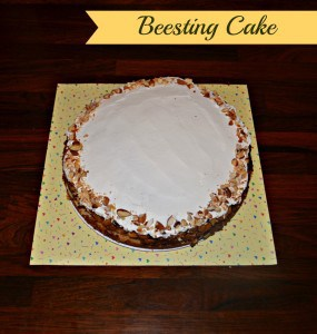 Bee Sting Cake (Bienenstich) for my 5th Blogiversary!