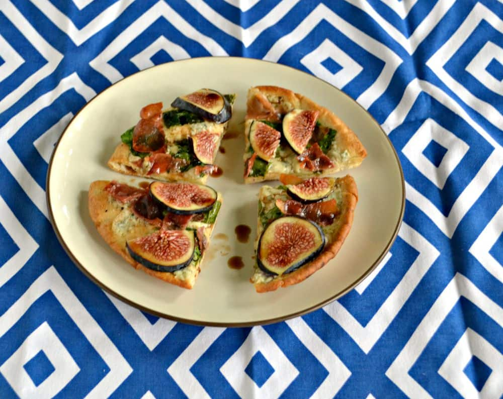 Gourmet Pita Pizzas with fresh figs, prosciutto, spinach, and goat cheese