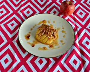 Hasselback Apples aare stuffed with a tasty cinnamon, brown sugar, and oats mixture