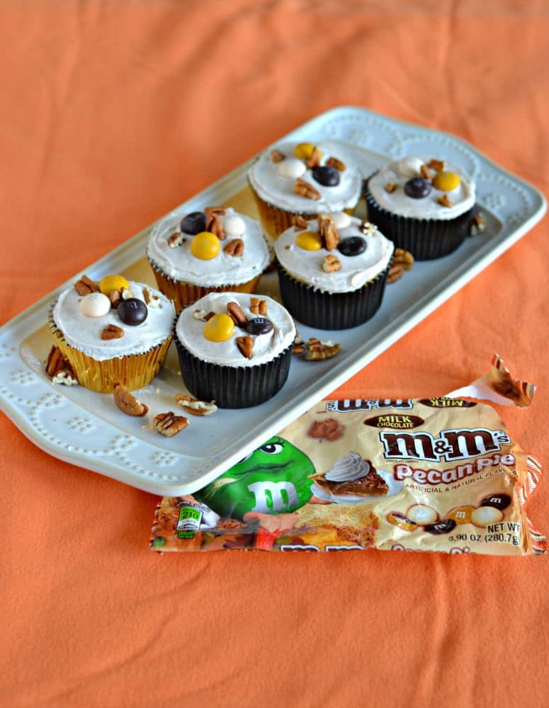 Pecan Pie Stuffed Apple Cupcakes #BakeInTheFun
