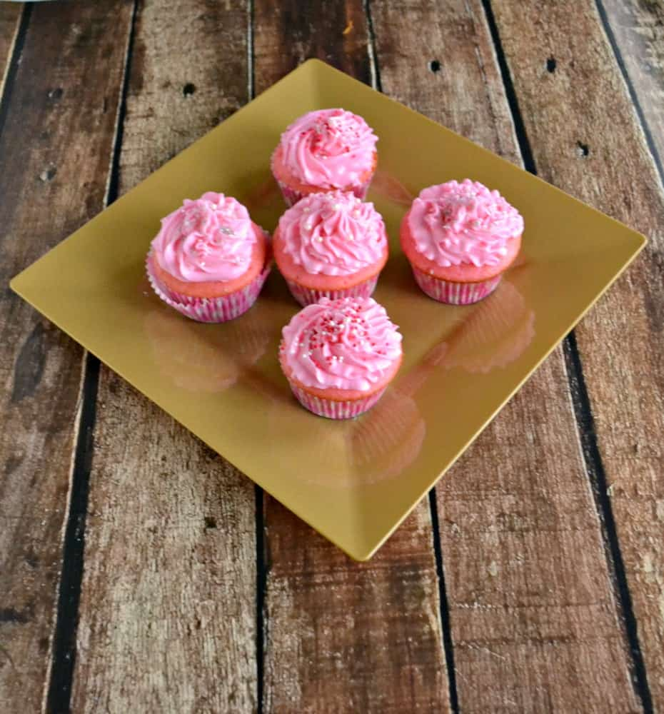 Love how bright and fun these Pink Champagne Cupcakes are!