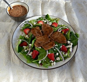 Balsamic Pork Salad with Strawberries and Goat Cheese #SundaySupper #FLStrawberry