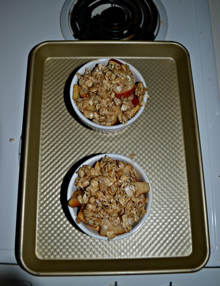 Make an Apple Pear Crisp for two using ramekins!