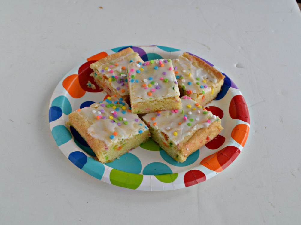 These Funfetti Cookie Bars are great for birthdays or parties