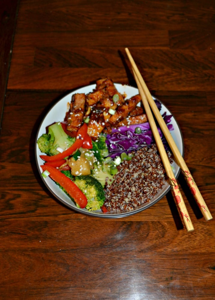 Check out this amazing Korean BBQ Tofu Bowl! It's full of delicious flavors and it's gorgeous too!