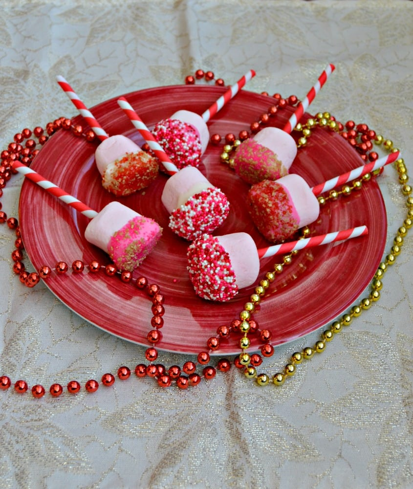 Kids will love helping to make these Chocolate Dipped Strawberry Marshmallows with sprinkles for Valentine's Day