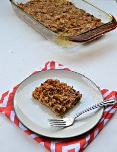 Take a big bite of this Carrot Cake Baked Oatmeal! Make it on Sunday and enjoy this recipe all week long