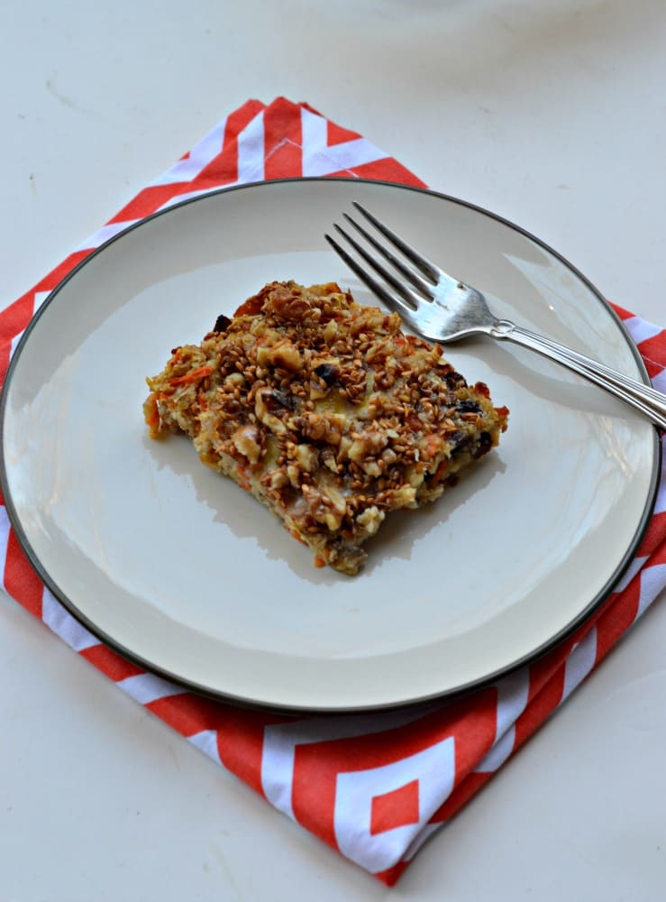 Carrot Cake Baked Oatmeal combines all your favorite carrot cake flavors in a healthier morning meal!
