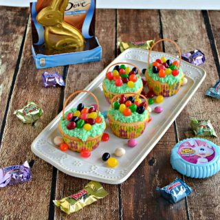 It's almost Easter! Make these fun Easter Basket Cupcakes recipe!
